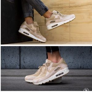 NIKE WOMENS AUTHENTIC AIR MAX 90 Sz 9.5 New